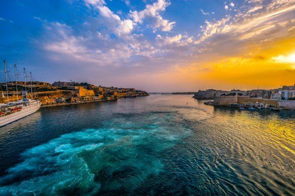 бухта на Мальті