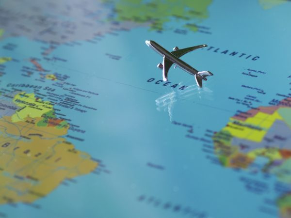 подорож літаком навколо світу