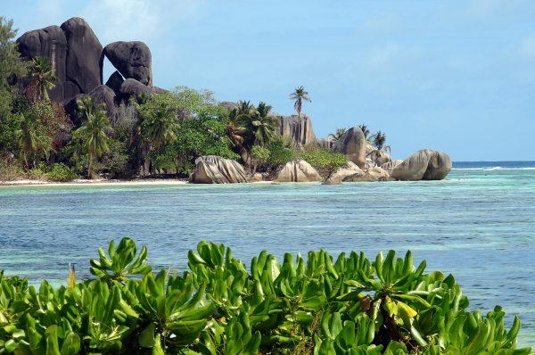 Сейшели море скелі