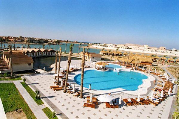 Хургада готель басейн