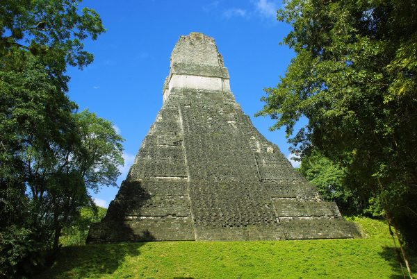 піраміда майя в тікалі