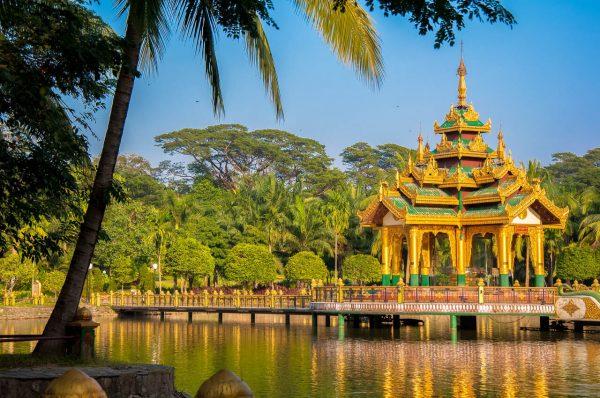 Янгон храм