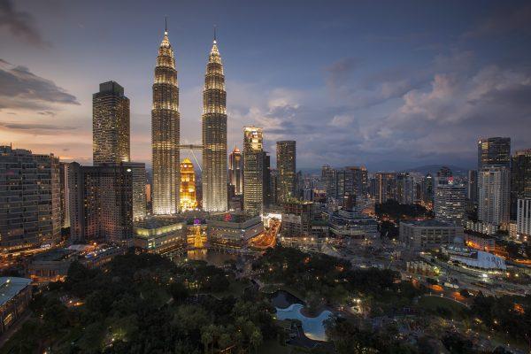 Малайзія Куала Лумпур нічне місто