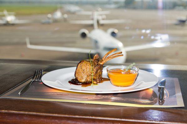 ресторан в аеропорті Жуляни