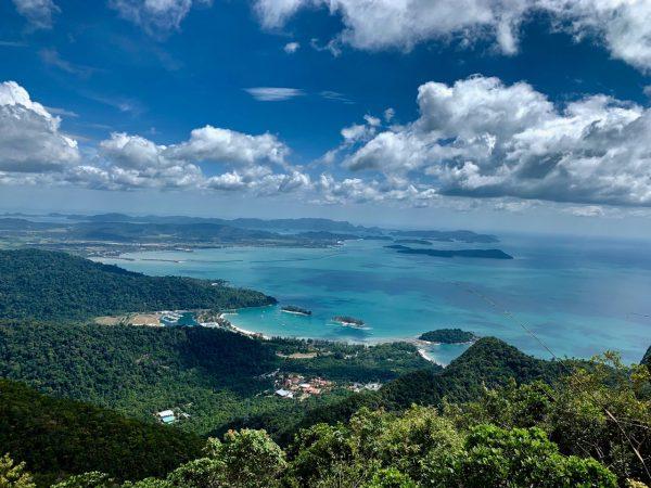 вид на острів Лангкаві в Малайзії