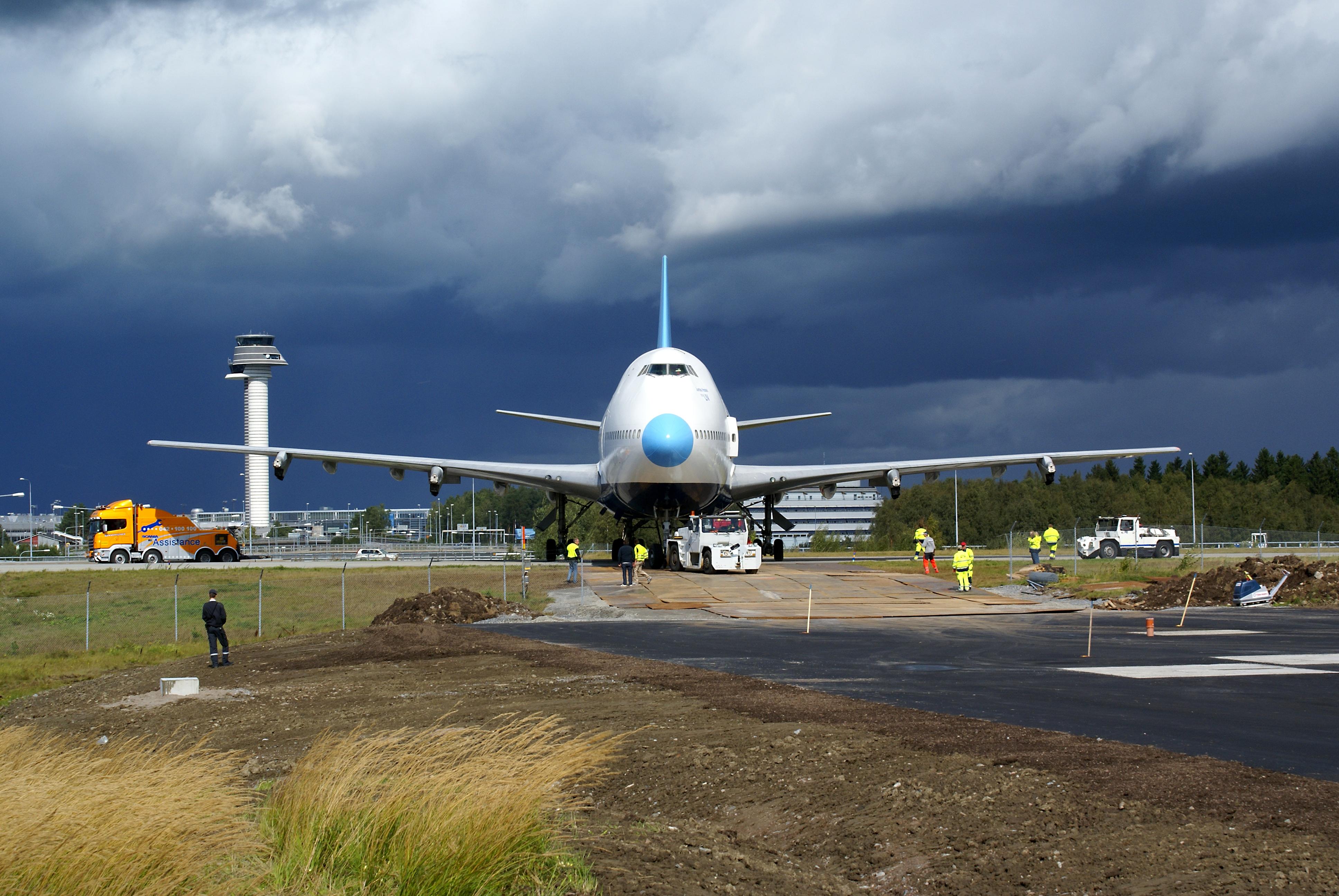 готель літак Jumbo Stay