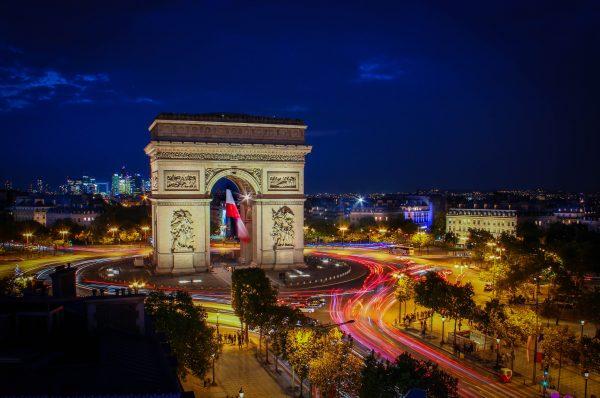 париж триумфальна арка