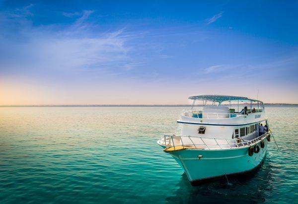 Червоне море яхта