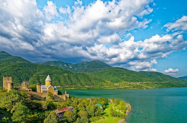 Грузія гори озеро