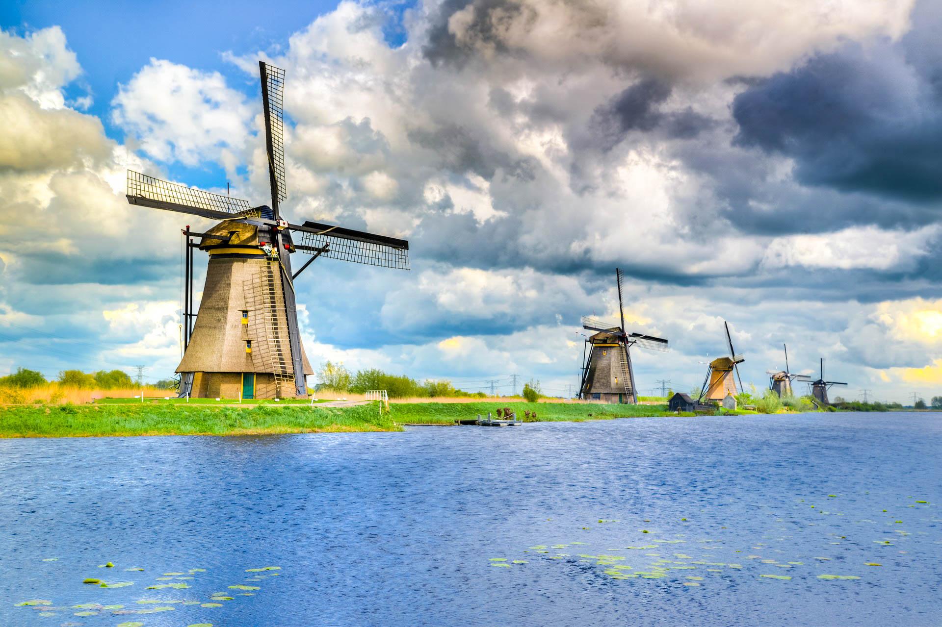 Голландия Роттердам долина мельниц