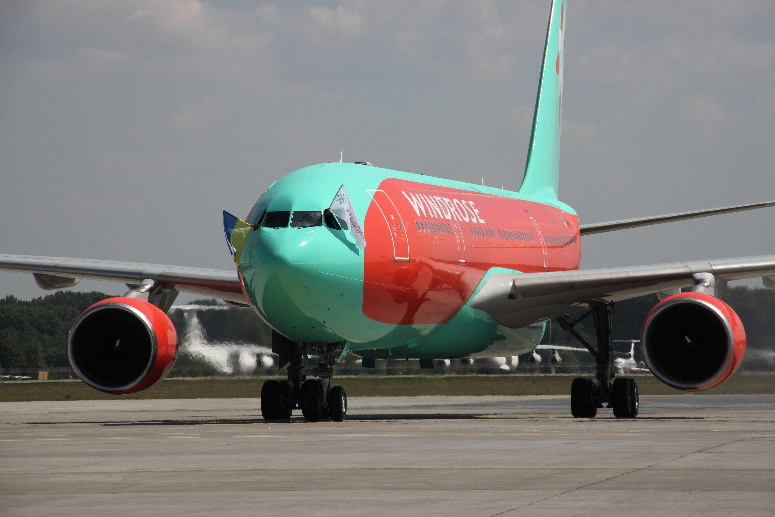 літак авіакомпанії Windrose
