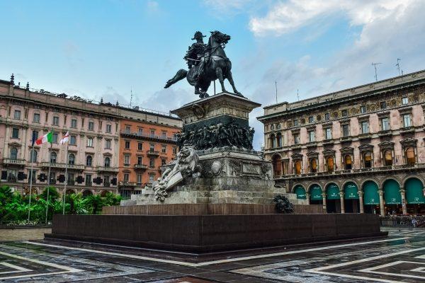мілан площа пам'ятник