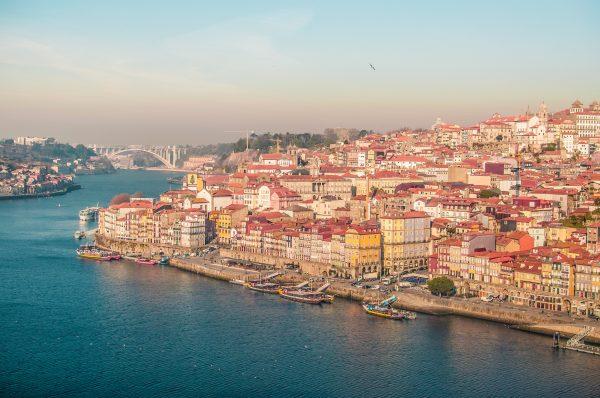 порту панорама міста