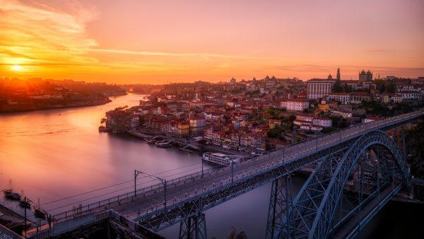 порту захід сонця