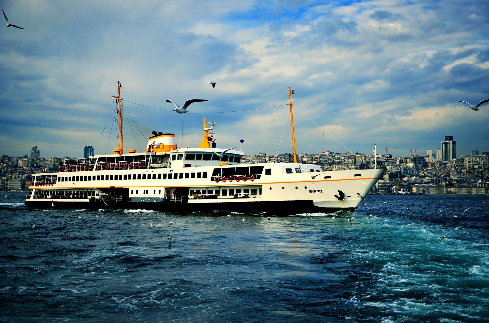 Туреччина Стамбул босфор корабель