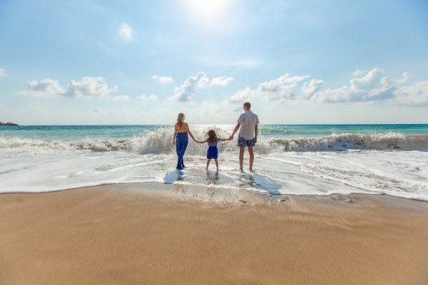 Сімейний відпочинок на пляжі