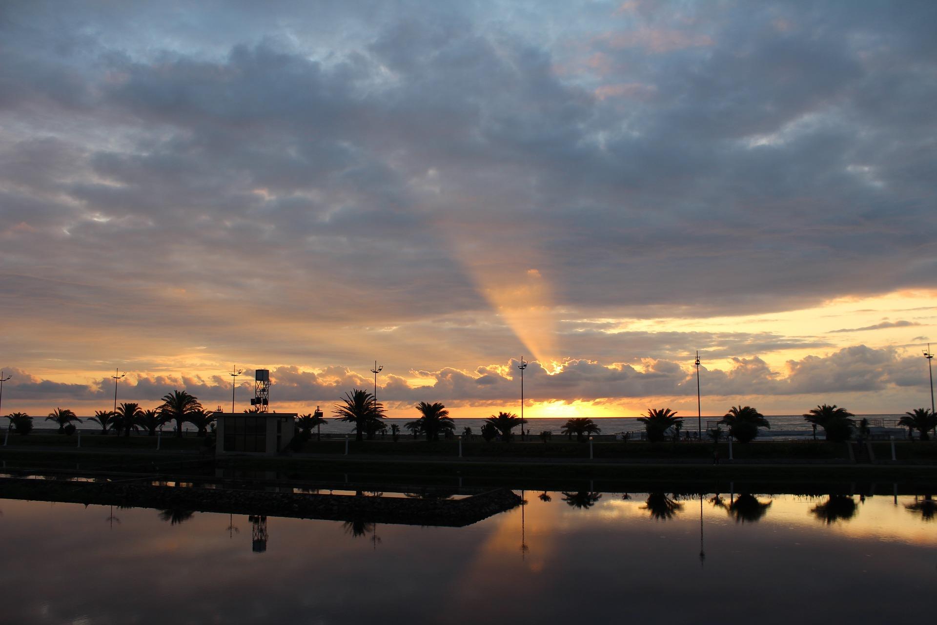 схід сонця у Батумі