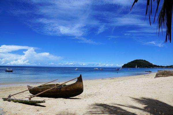 мадагаскар пляж човен