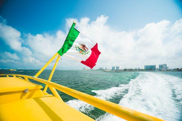 канкун флаг мексики