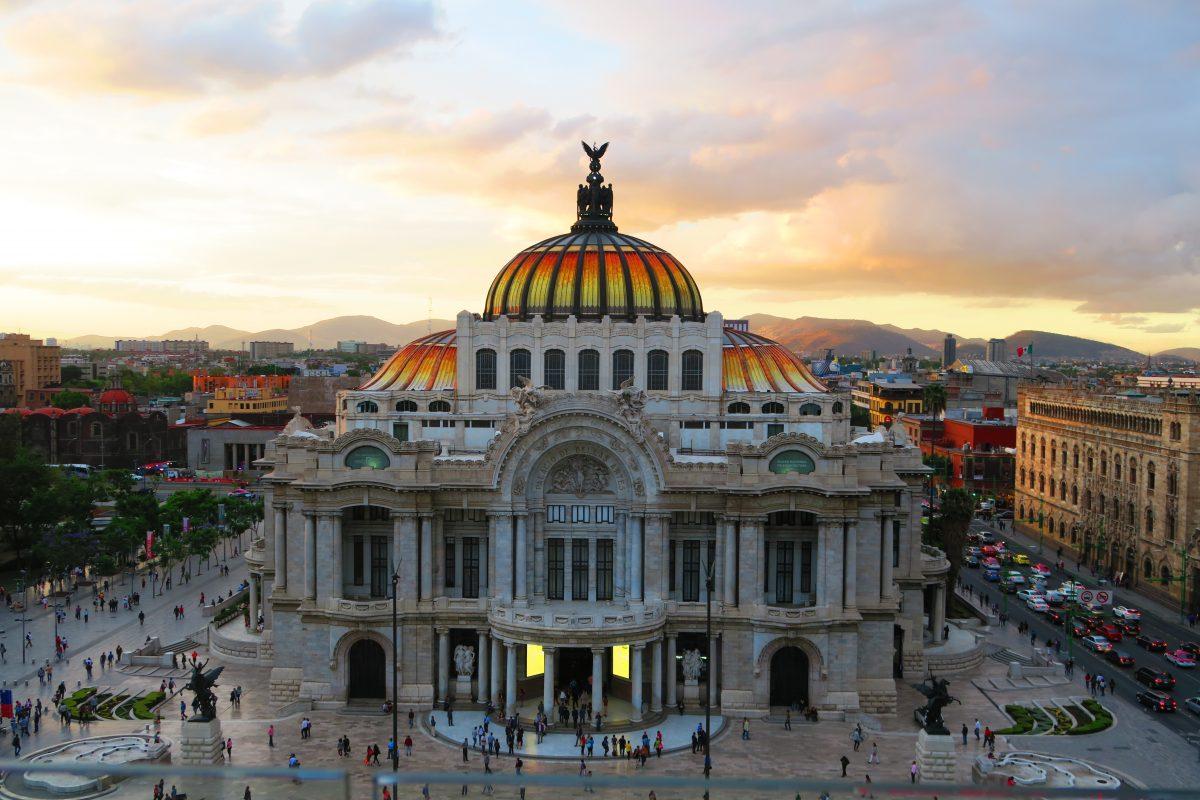 мексика мехіко палац мистецтв
