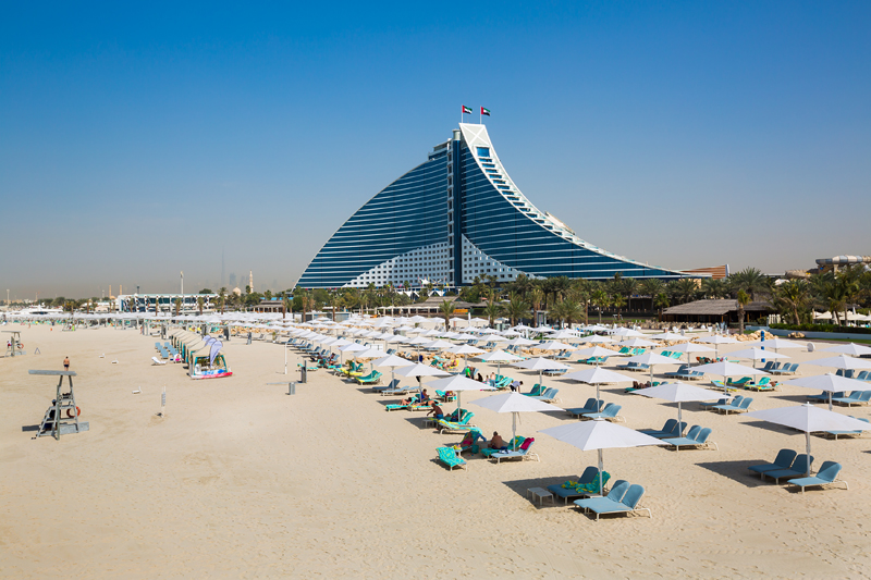 Пляж у Дубаю