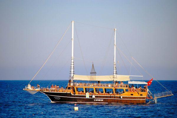 Туреччина море корабель