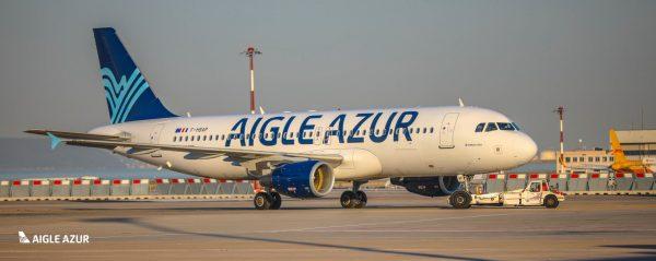 Літак Aigle Azur