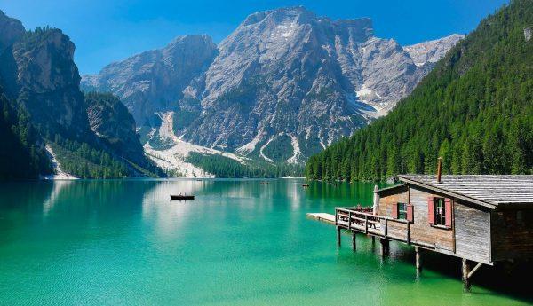 Італія Доломітові Альпи озеро Браєс