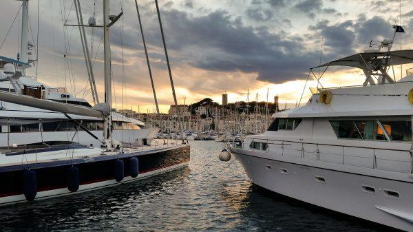 Франція Лазурний берег Канни яхти
