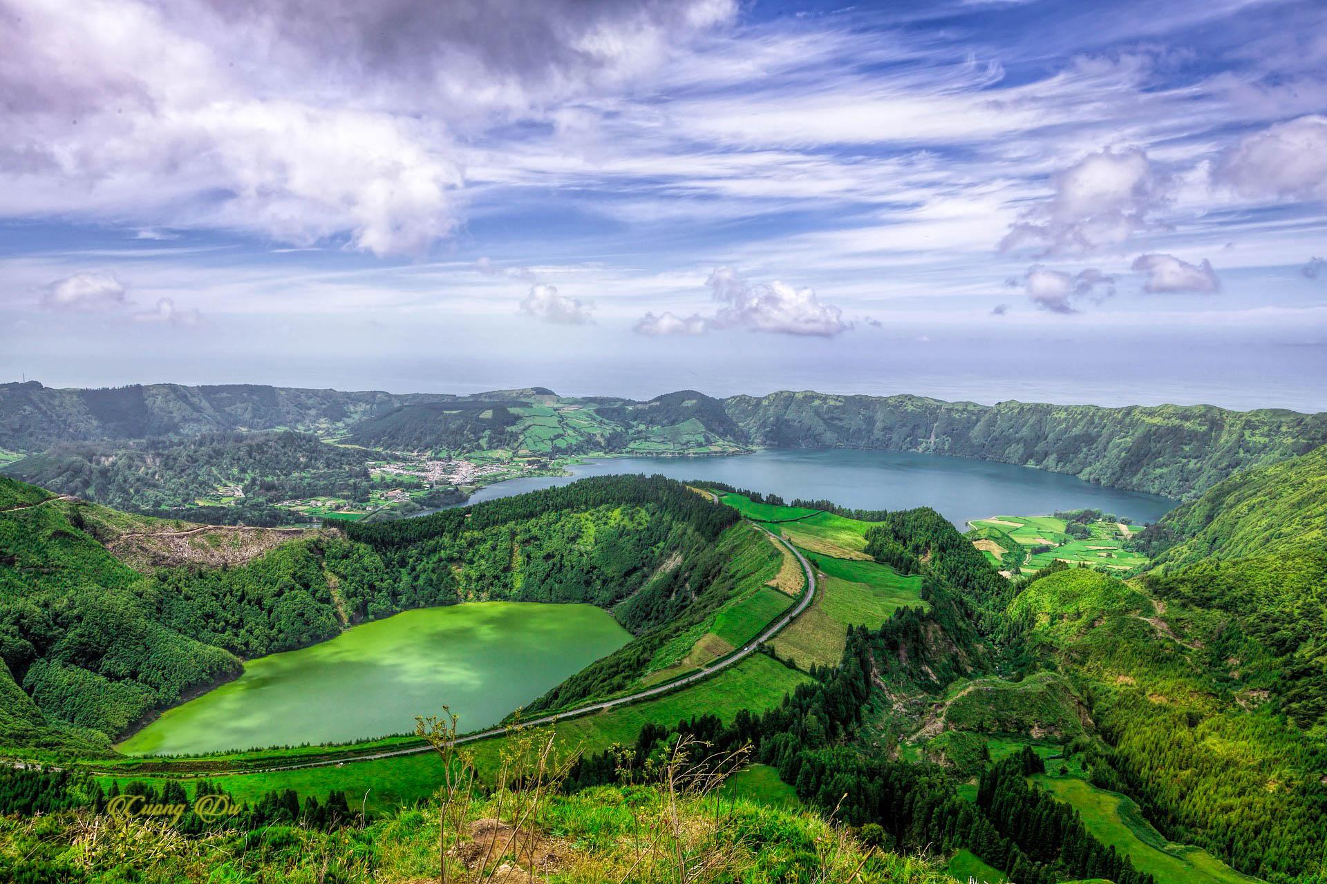 Португалія Азорські острови озеро