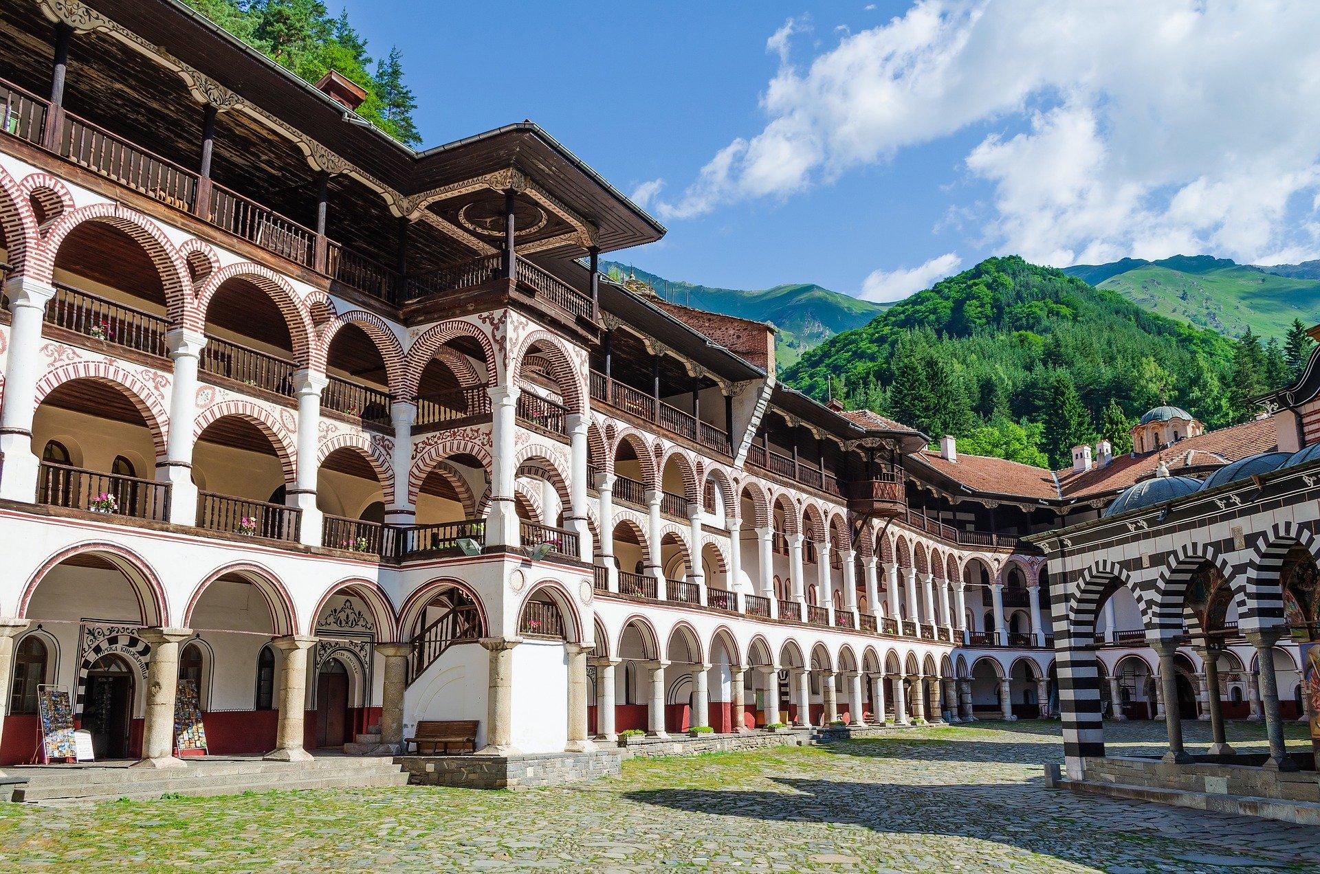 рільський монастир