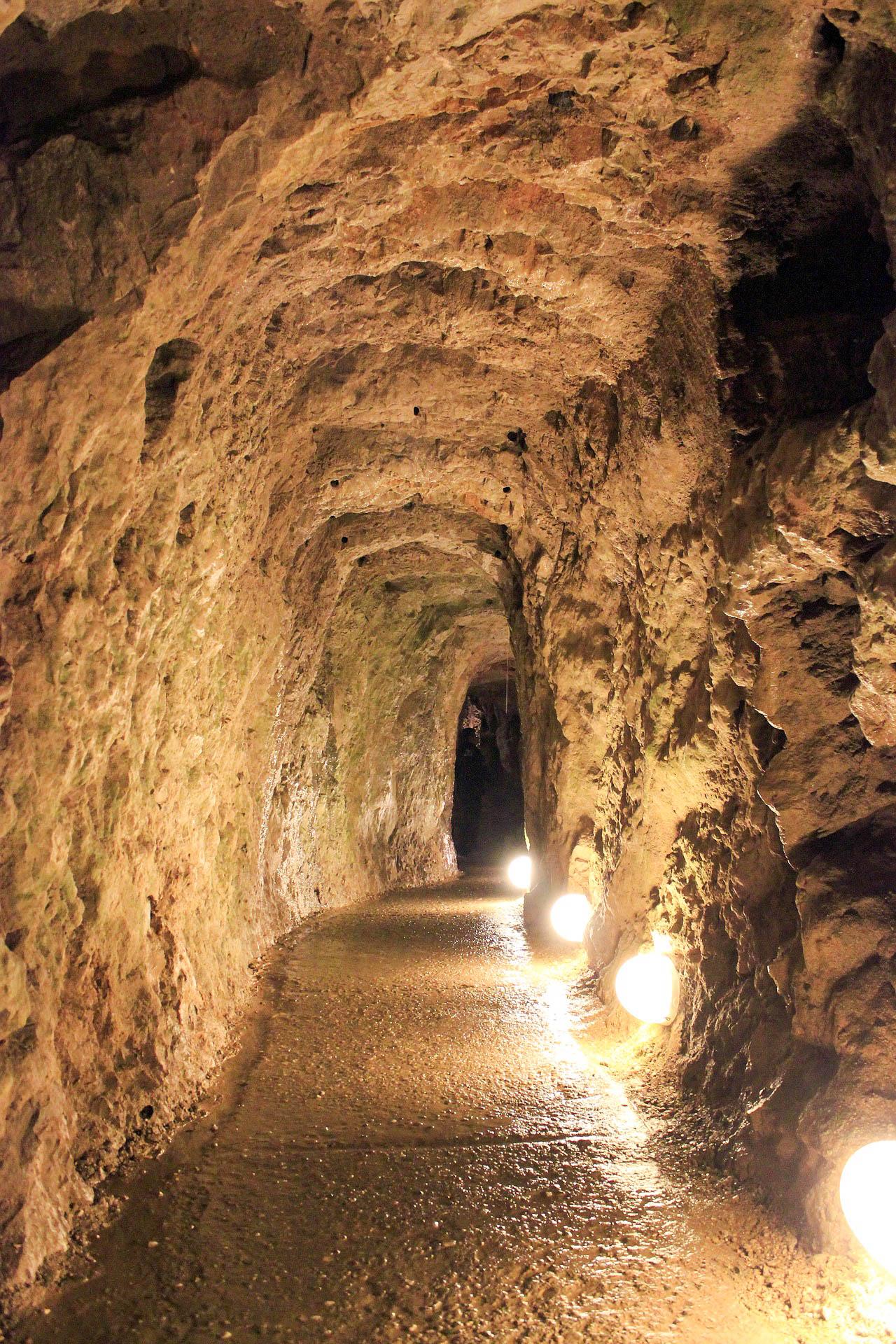 Сербія Ресавская печера