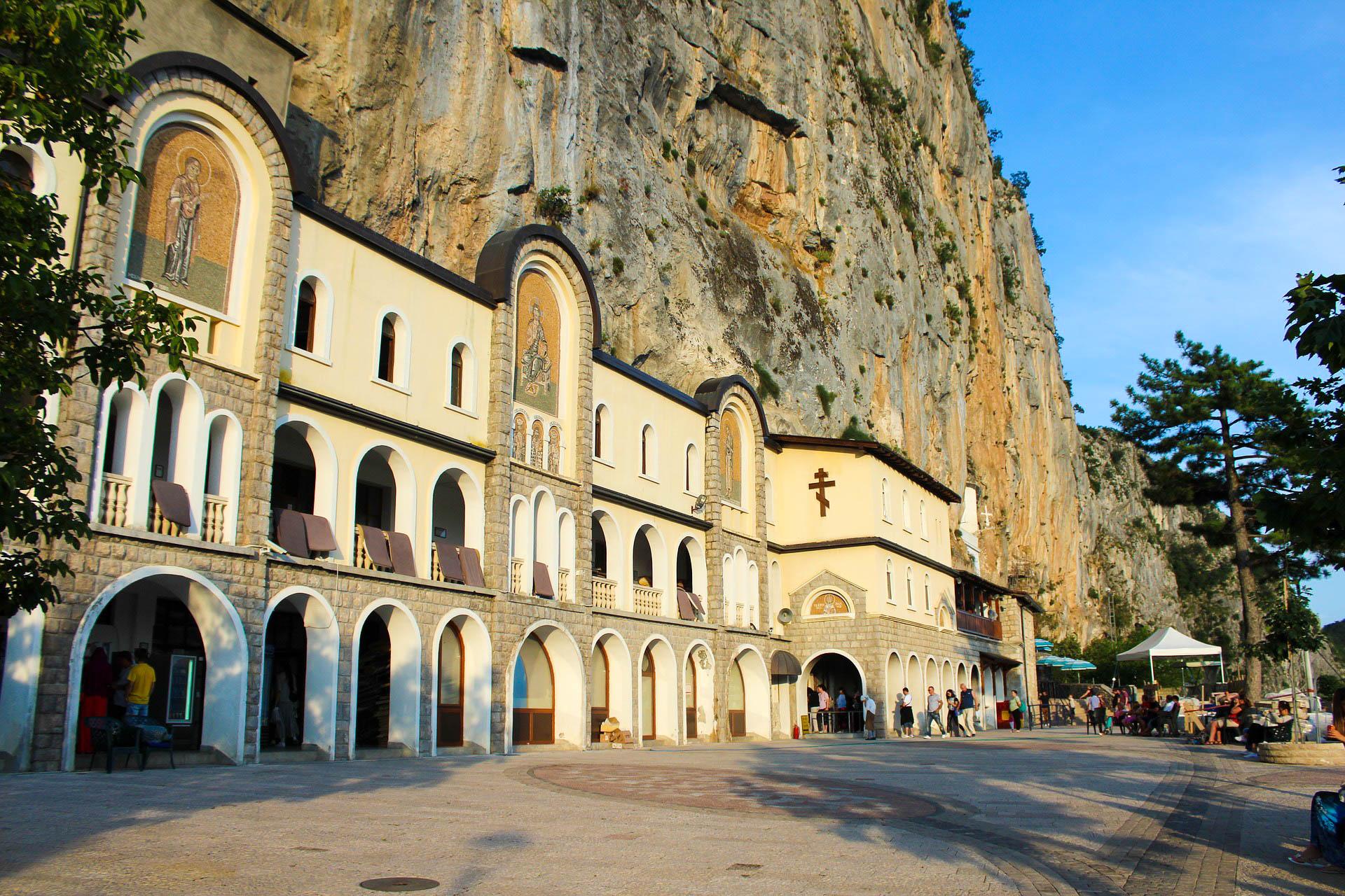 Чорногорія монастир Острог