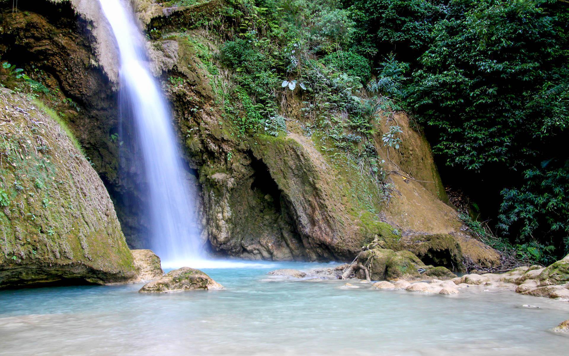 Лаос водоспад