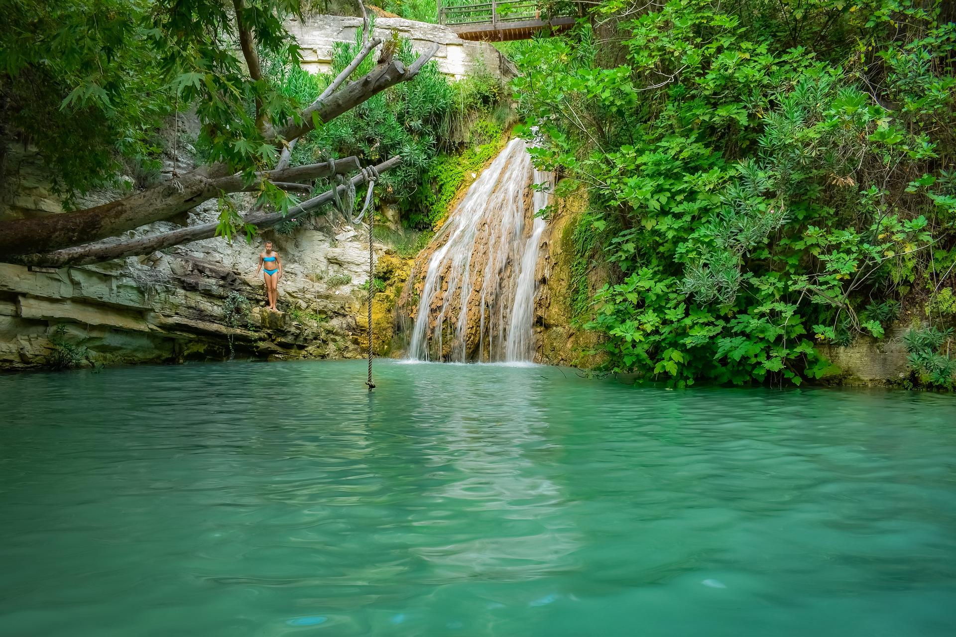 Кіпр водоспад Адоніс