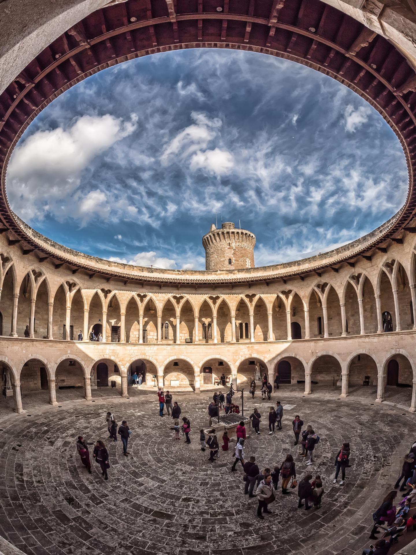 Іспанія Майорка замок Бельвер