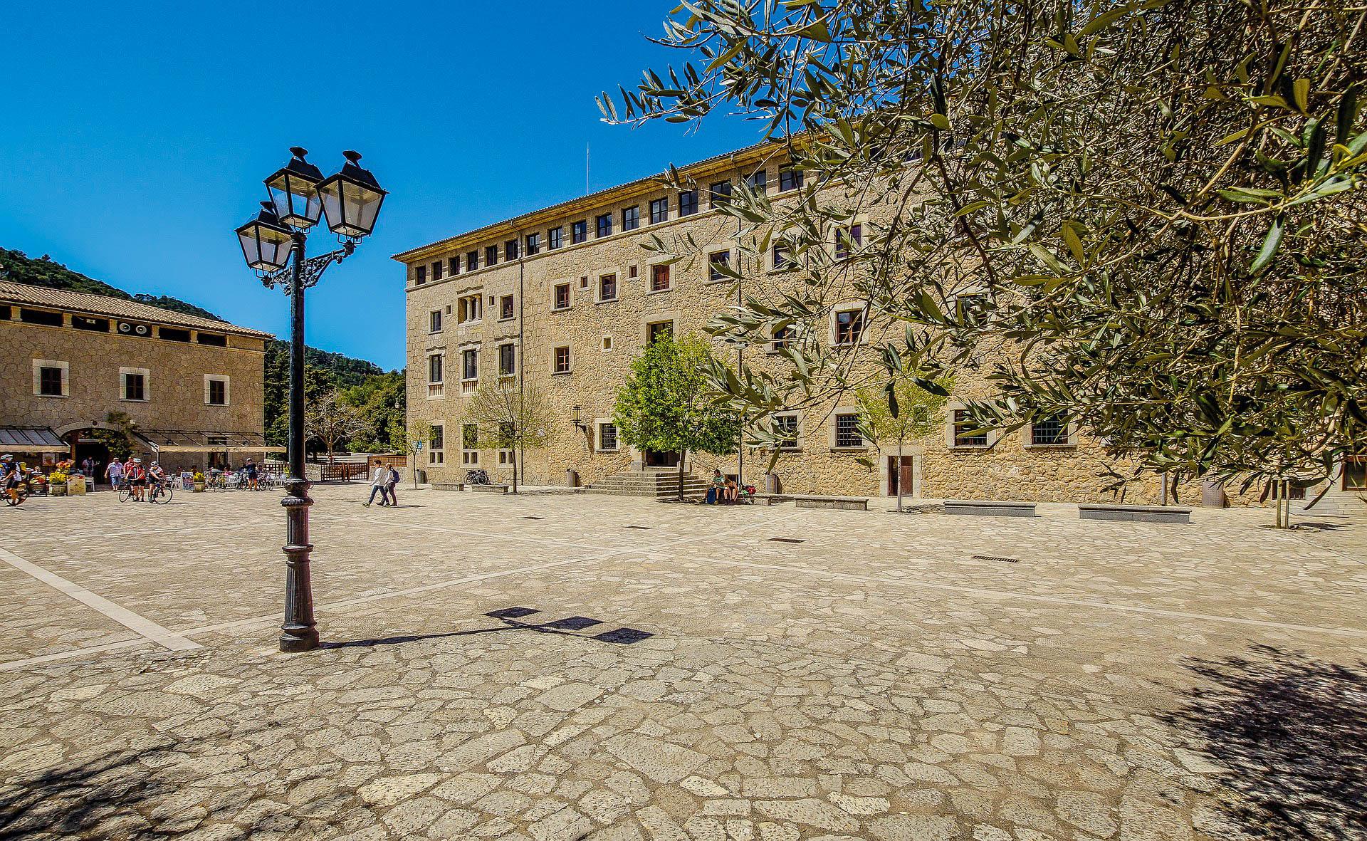 Іспанія Майорка Льюкскій монастир
