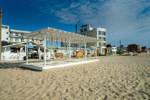 Priboy Beach Hotel