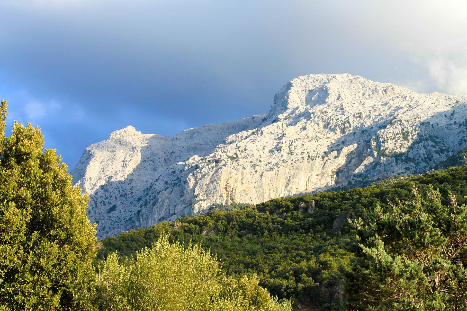 Італія Сардинія гори