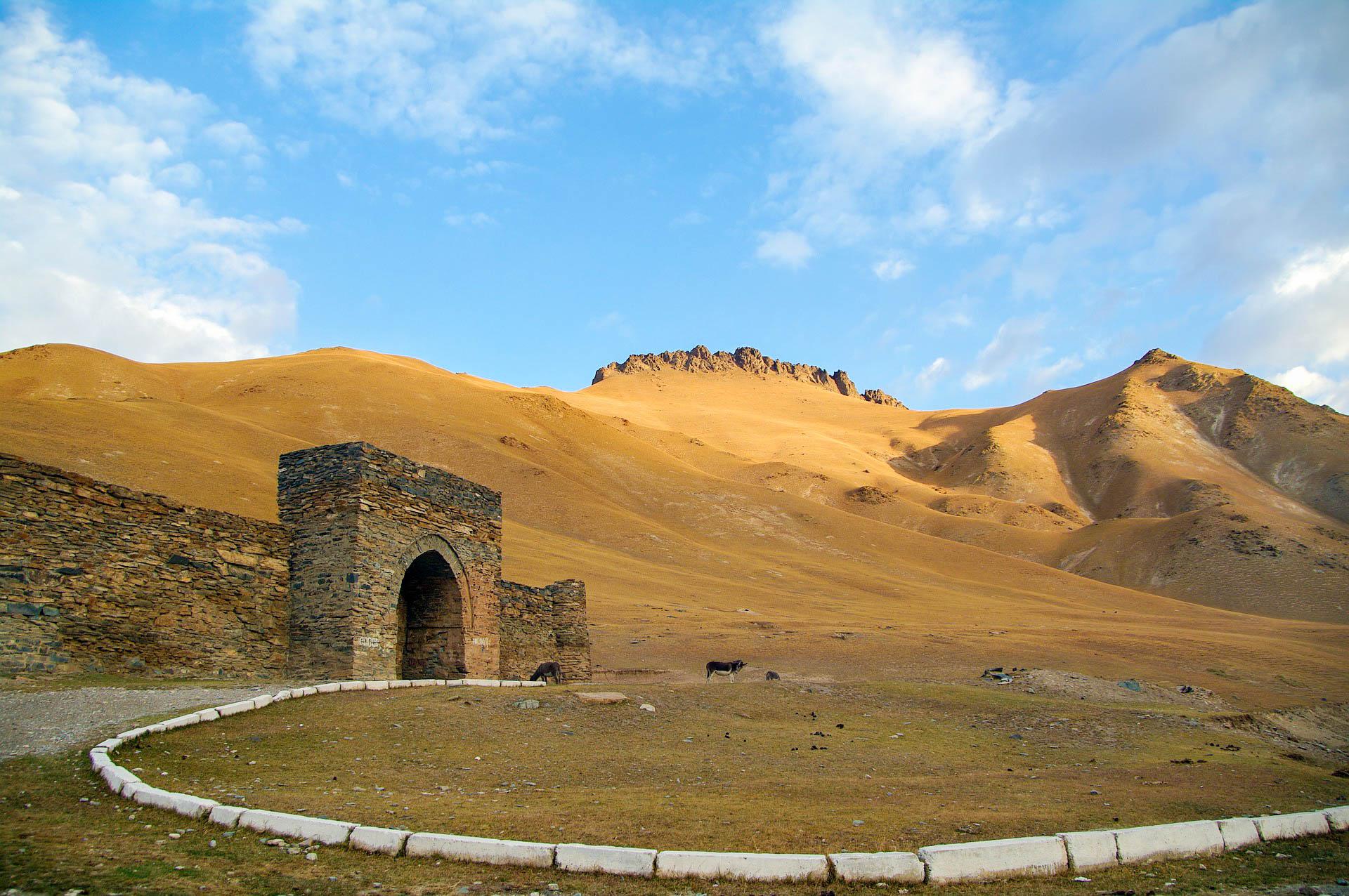 Киргизстан Таш-Рабат