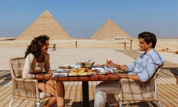 Ресторан біля пірамід