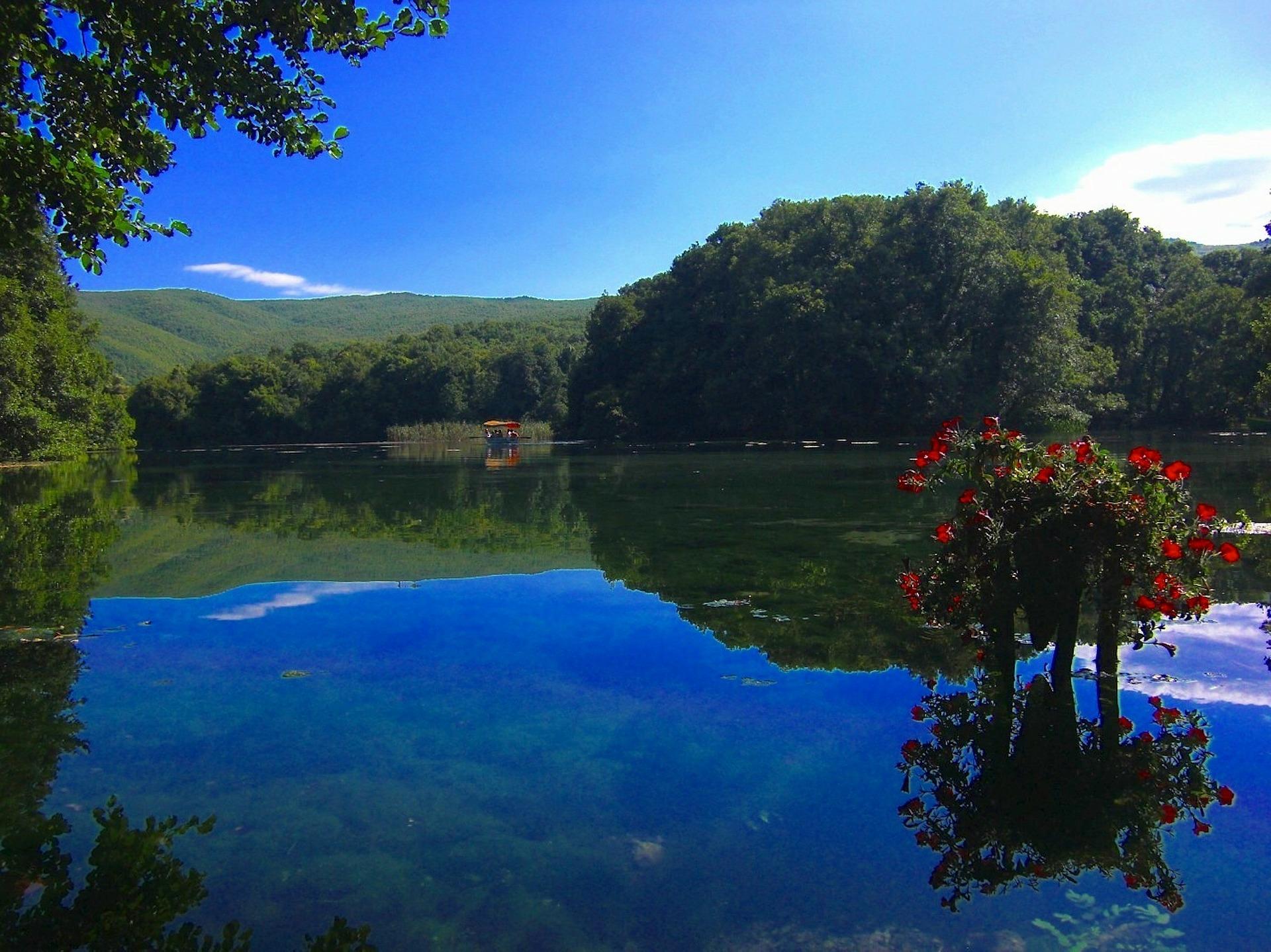 Македонія озеро
