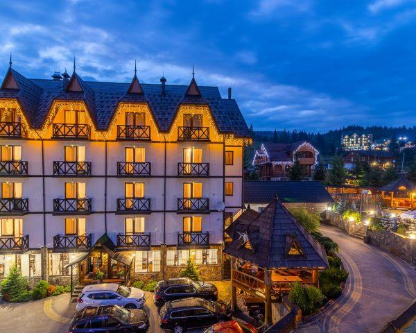 Hotel Pid Strihoju