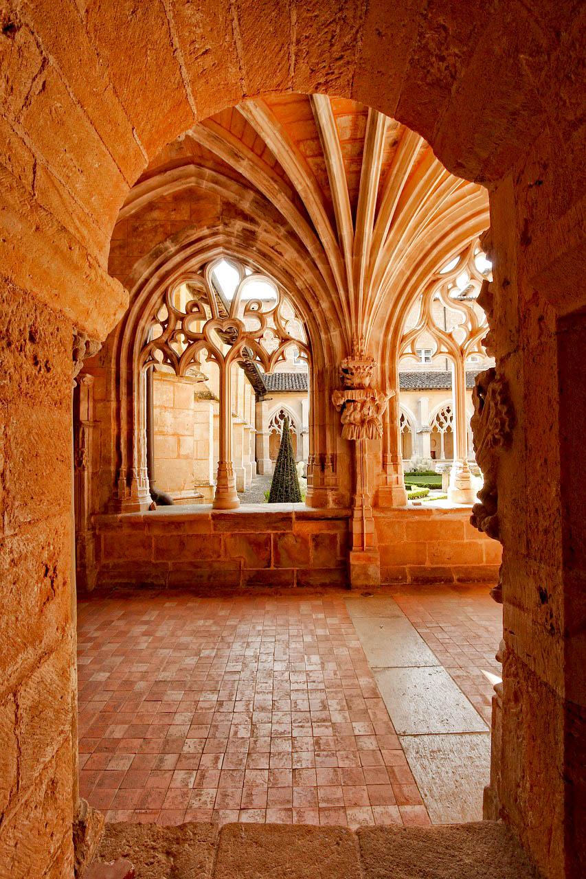 Франція абатство Кадуана