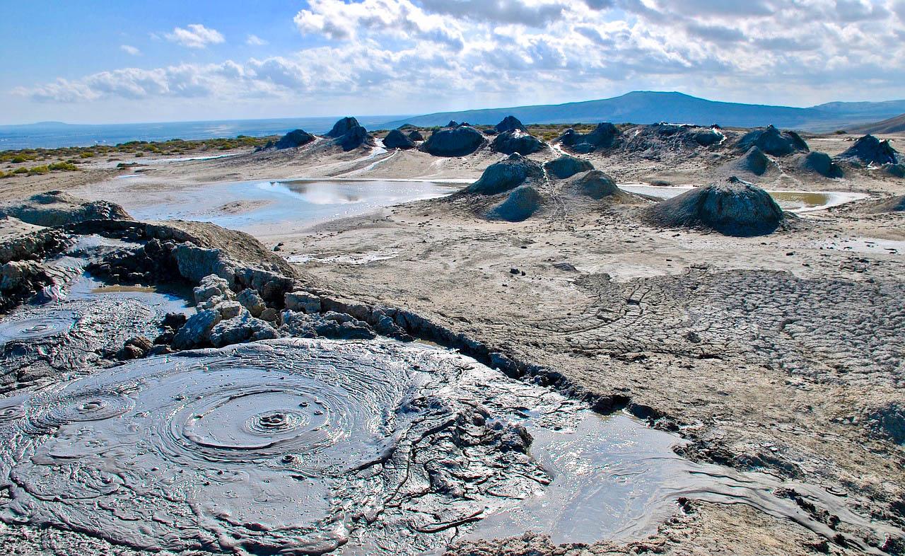 Азербайджан Грязьові вулкани