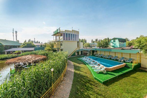 Green hotel-club
